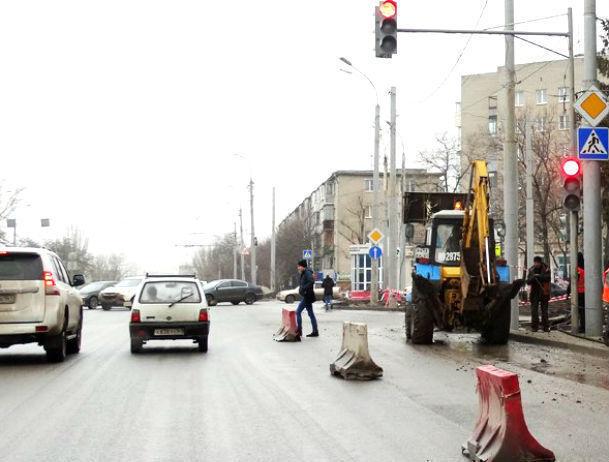 Иностранная машина сбила беременную женщину натротуаре вРостове-на-Дону