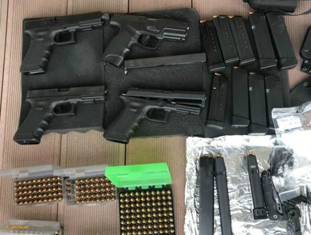 ВРостовской области пресечена контрабанда составных частей оружия