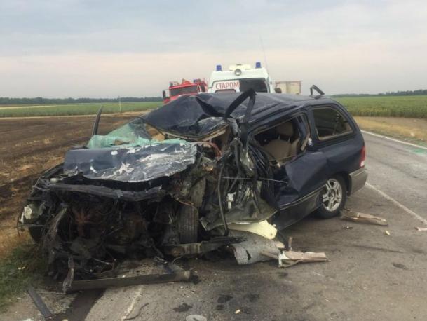 Двухлетний ребенок погиб в страшной аварии с автобусом под Ростовом