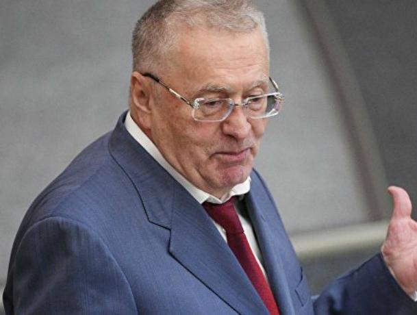 «Налог на жадность» придумали возмущенные дорогим бензином ростовские сторонники Жириновского
