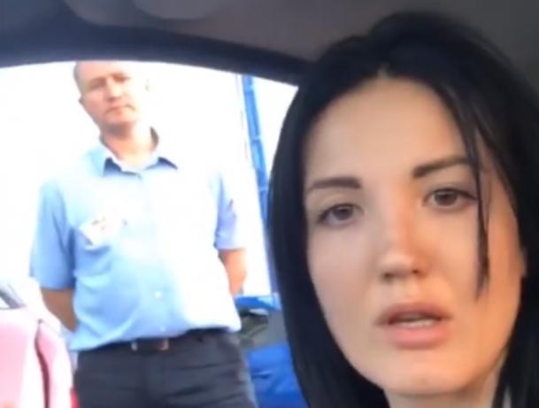 Красотку-блогера Настю Туман вызволяли из автосервиса полиция и подписчики