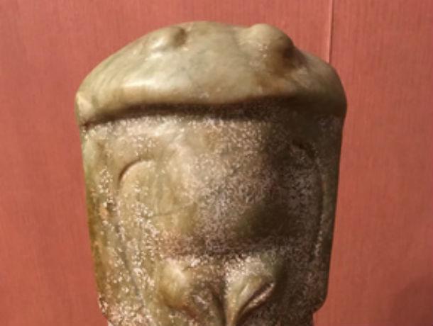 Ростовчанин продает статуэтку пришельца за полмиллиона рублей