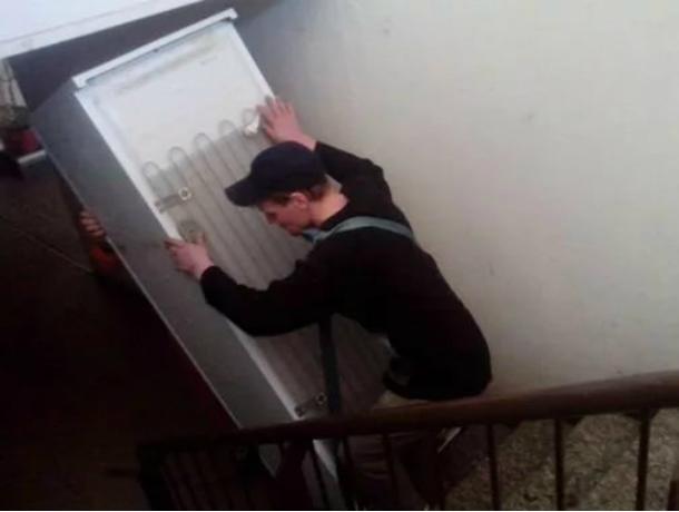 Воры только со 2-го раза выкрали холодильник изквартиры вНовошахтинске