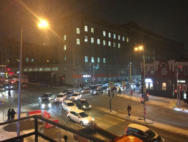 Погода ухудшается: снег с ледяным дождем обрушился на Ростов