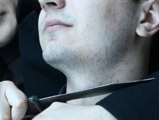 Зарезавшего своего нового знакомого «розочкой» от бутылки молодого мужчину поймали в Ростове