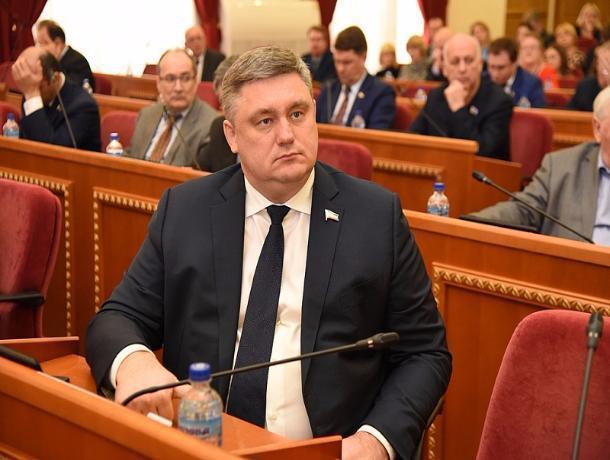 Депутат из Ростовской области возглавляет компанию, тратящую миллионы бюджетных денег на выставки