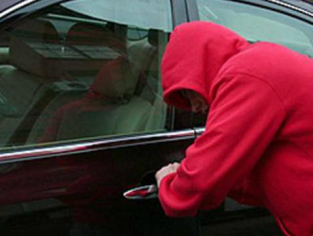 ВРостове задержали подозреваемых всерии угонов авто