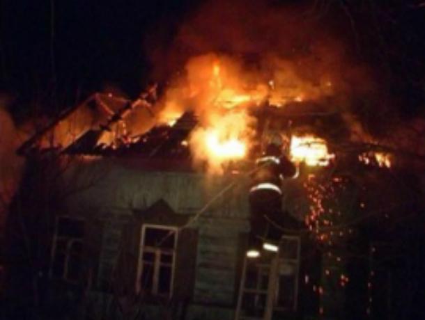 Страшные ожоги рук получила женщина во время пожара в дачном домике под Ростовом