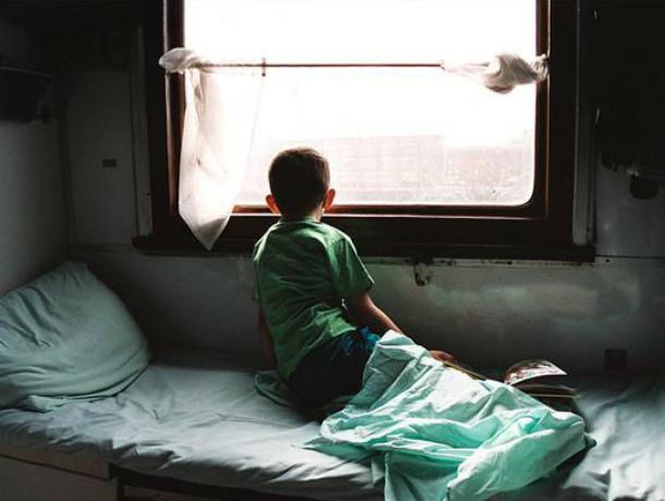 Два с лишним десятка детей отравились в поезде по пути в летний лагерь Ростовской области