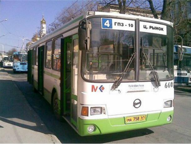 Более 300 неисправных автобусов перевозили пассажиров в Ростовской области