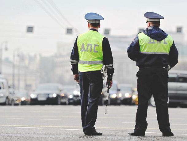 В Ростове сотрудники ДПС поймали подростка за рулем тонированной «Приоры»