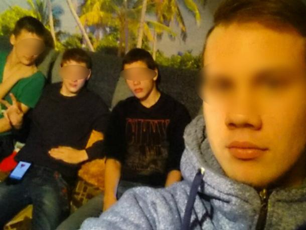 Друзья пытали школьника вРостовской области раскаленным утюгом