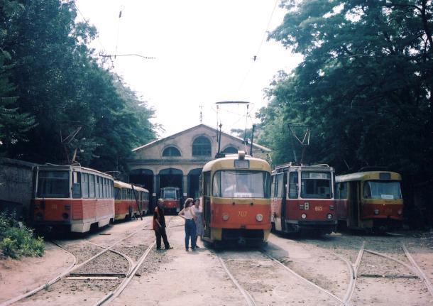 Фуд-корт и кинотеатр вместо депо: как убивали ростовский трамвай