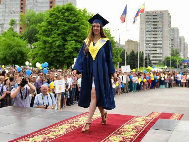 Прекрасный мультимедийный фонтан ДГТУ запустят для выпускников вуза в Ростове