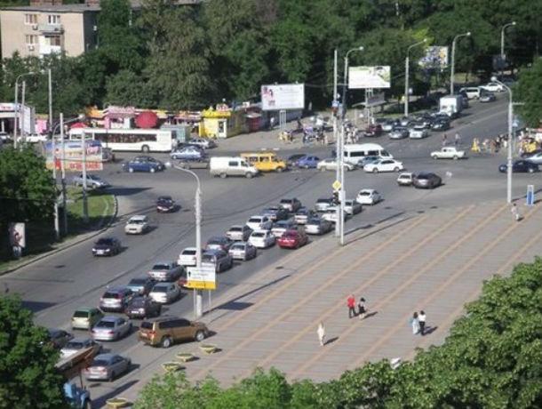 Решение проблемы заторов на перекрестке Стачки и Зорге предложил ростовчанин