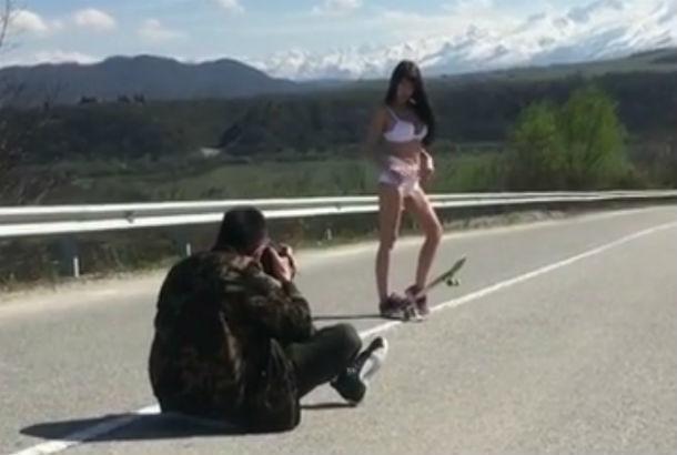 Жаркие кадры эротической фотосессии звезды Playboy из Ростова попали на видео