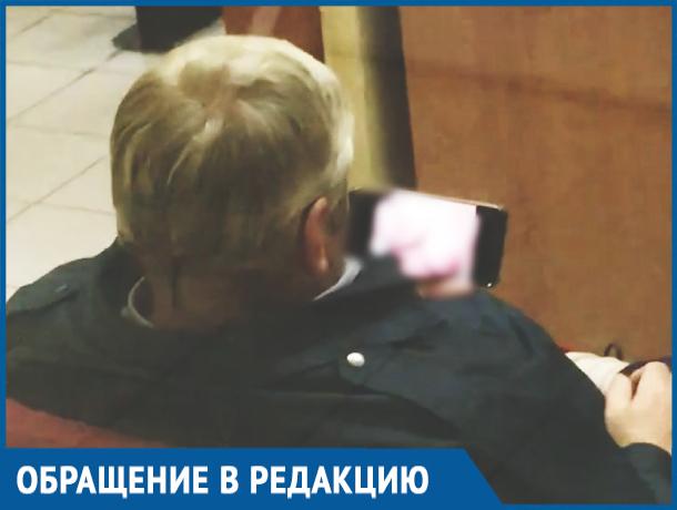 «Мы в безопасности»: охранник Ростовского университета путей сообщений смотрел порно на посту
