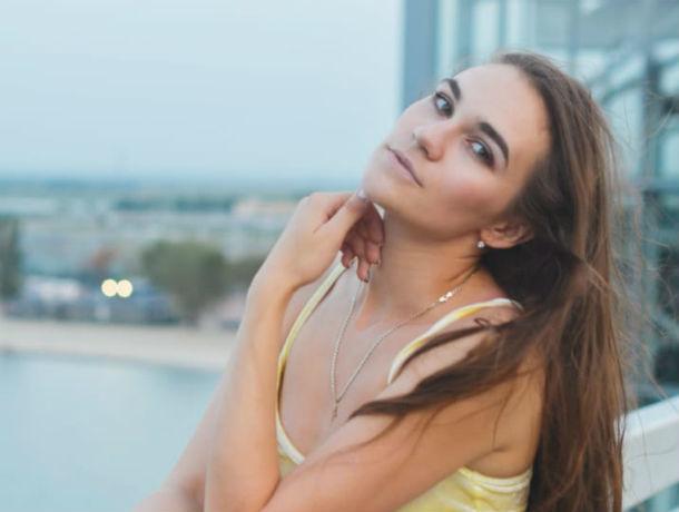 «Временные трудности – не пугают»: студентка Яна Кандейкина участвует в конкурсе «Мисс Блокнот Ростов-2019»