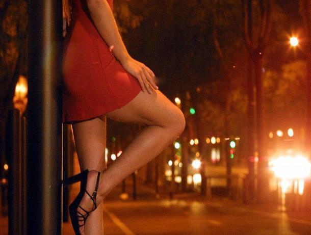Час с проституткой обойдется ростовчанину в одну десятую от месячного дохода