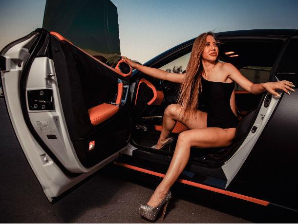 Если красиво выйти из машины - не придется самой ее ремонтировать, - Татьяна Белозорова