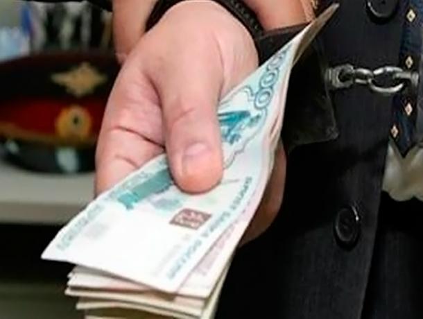 Полицейского подозревают впопытке мошенничества вТаганроге