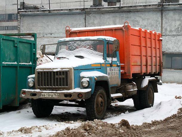 Региональные операторы усиленно убирают завалы мусора в Ростове
