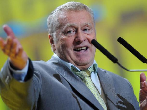 Жириновский призвал облагать штрафом заболевших гриппом непривившихся депутатов