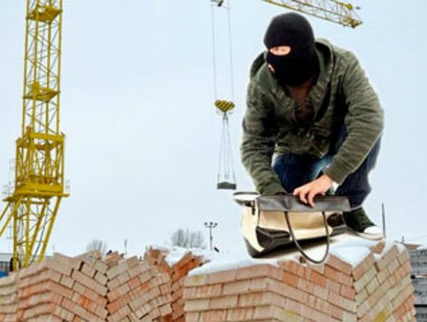 Молодой работник стройки обворовал собственных коллег в Ростове