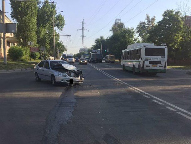ВРостове-на-Дону шофёр пассажирского автобуса устроил «пьяное» ДТП
