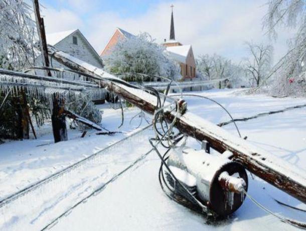 Из-за непогоды без электричества остались 16 районов Ростовской области