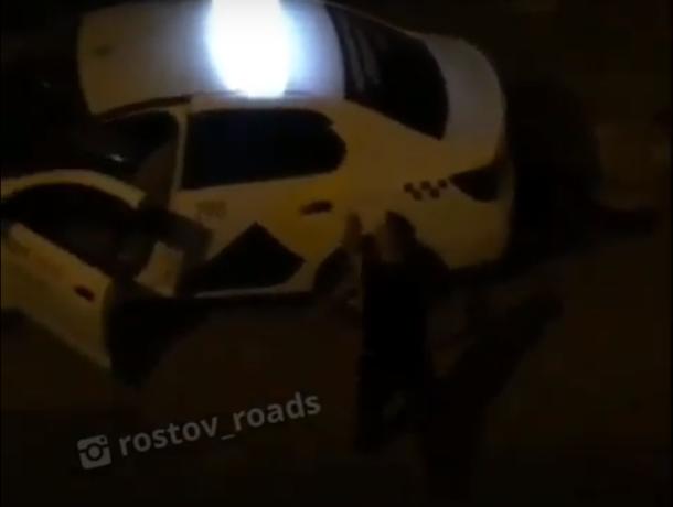 Странное поведение водителя «Яндекс.Такси» попало на видео в Ростове