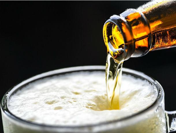 Молодые парламентарии предложили запретить торговлю пивом в жилых домах Ростова