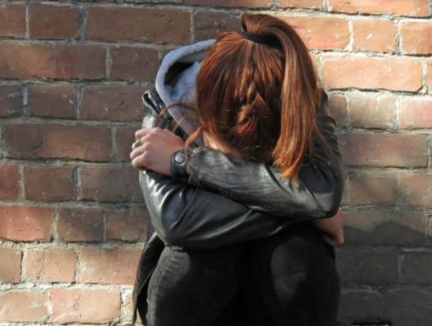 Сбежавшую из дома в разгар праздника 14-летнюю школьницу в уггах разыскивают в Ростове