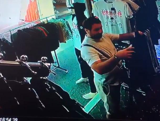 Торговцам рынка на Верхнем Темернике удалось снять на видео момент кражи