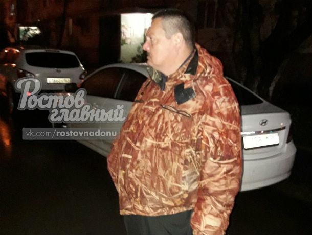 «Парковочный рэкетир» на проспекте Космонавтов пытался собирать деньги за охрану машин ростовчан
