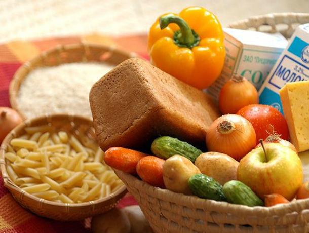 Мало мяса, рыбы, овощей и фруктов, по мнению Минтруда, едят жители Ростовской области