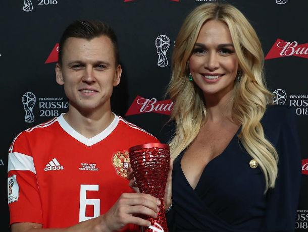 Красотка-ростовчанка Виктория Лопырева сделала приятно футболисту российской сборной