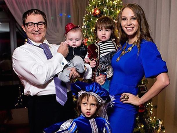 Ростовчанина Дмитрия Диброва на Новый год ждет домашнее шоу двойников