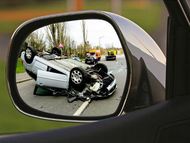 Пьяный ростовчанин украл машину с работы, попал на ней в аварию и с горя ушел домой пешком