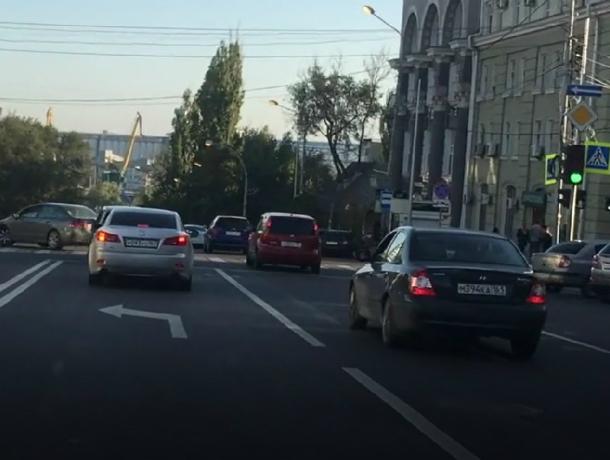 Проклятый перекресток на Буденовском и Тургеневской может отразится на кошельках ростовских автолюбителей