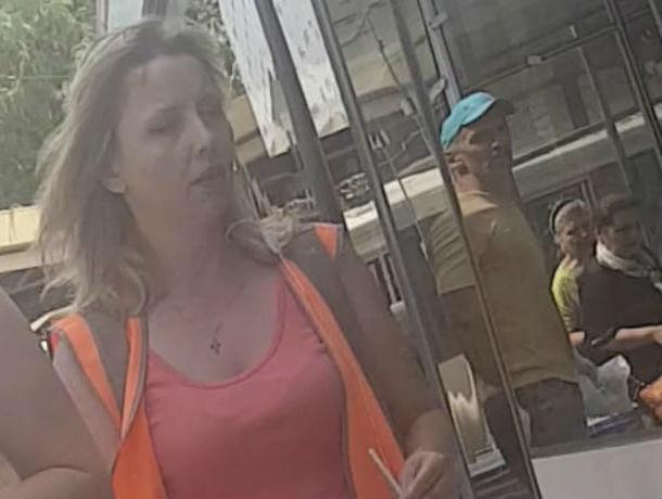 Воинствующий плиточник дал в лоб водителю трамвая и устроил пробку в центре Ростова