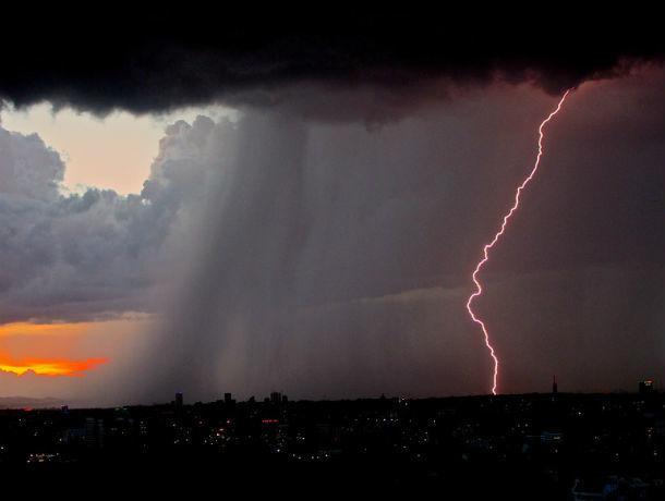 Мощнейший шторм трое суток будет свирепствовать в Ростове