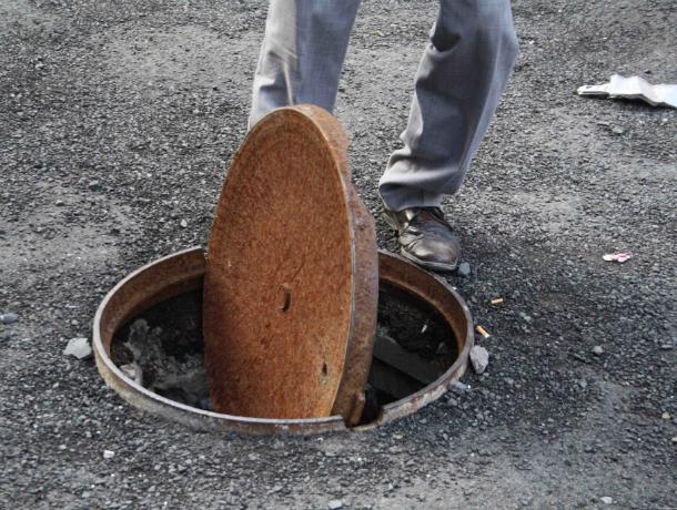 Молодой безработный мужчина ночами обворовывал канализационные люки под Ростовом