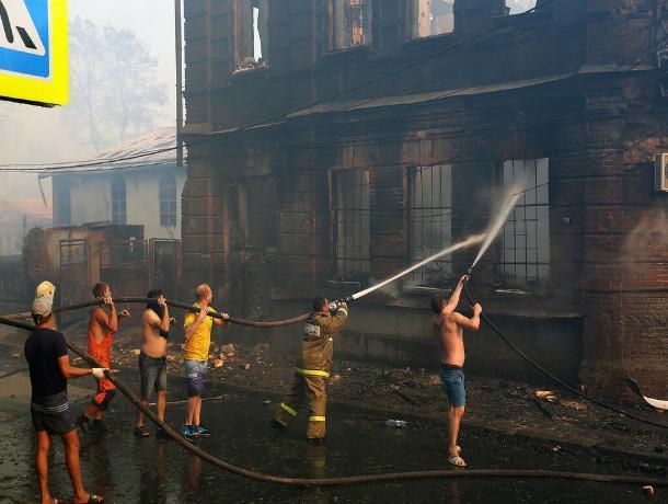 Обвиняемые в пожаре на Театральном спуске в Ростове отказались признавать вину