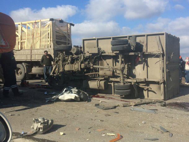 ВНеклиновском районе тройное ДТП, пострадали водители
