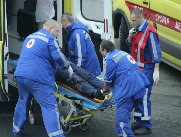 Два человека погибли в жутком тройном лобовом ДТП в Ростовской области