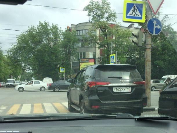 Новый способ борьбы с автохамами - «Кирпич правосудия» хотят применять возмущенные жители Ростова