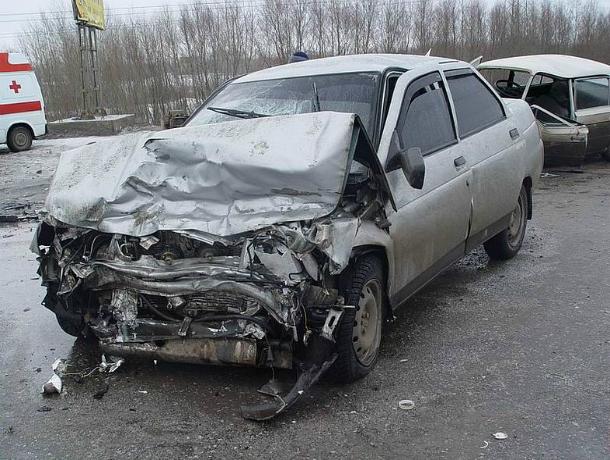 2-летний ребенок пострадал втройном ДТП наобледенелой трассе Ростов-Волгодонск
