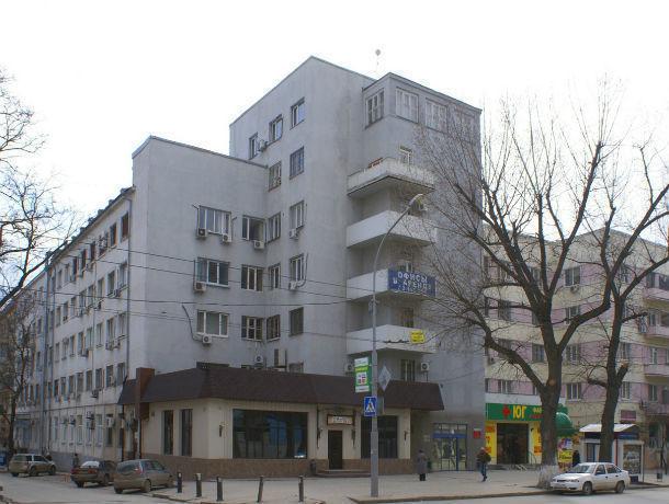 Здание Зернотреста и подвиг советских воинов