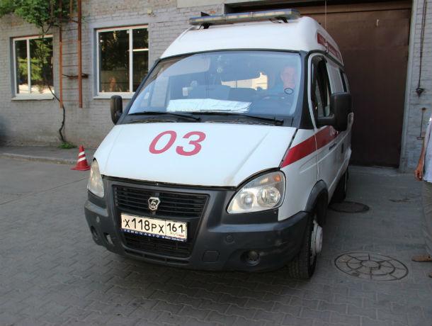 В Ростове хулиган забросал кирпичами карету скорой помощи